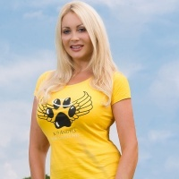 K 9 Angels Founder Victoria Eisermann chats to the amazing Sea Shepherd at VegfestUK