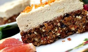 Raw Vegan and Gluten Free Christmas Cake Recipe