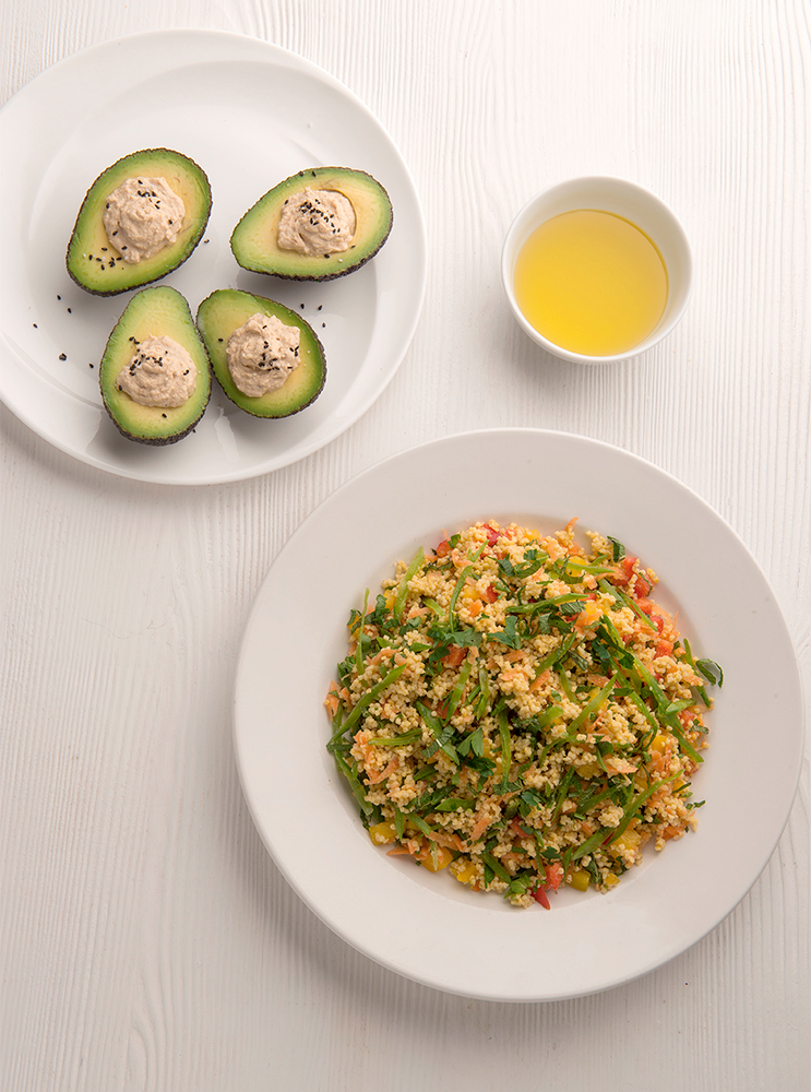 Warm-millet-salad-and-avocado-stuffed-with-hummus (003)