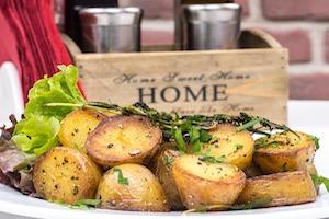 Crispy Roast Rosemary Potatoes