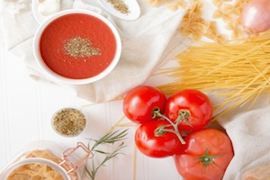Super Easy Vegan Tomato Homemade Pasta Sauce